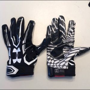 Underamour football gloves